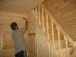 Выполнение обшивки стен блокхаусом
